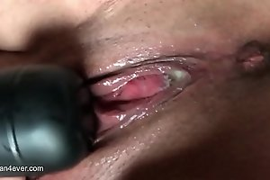 Squirting after some good penis using my vibrator (assman4ever.com)...