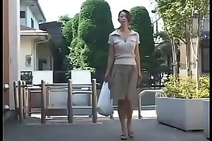 Japanese Milf wants an obstacle Dig up