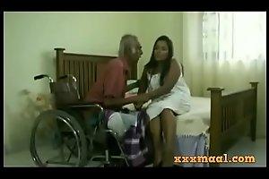 xxxmaal.com -Thisaravige Rathriya Hot scene fro Old chap