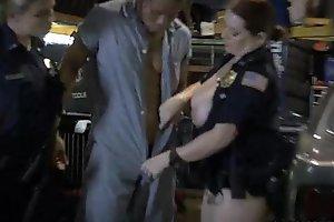 Cops grilling halve impart