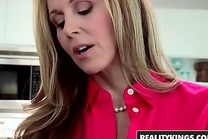 Realitykings - mommys group-sex nubiles - (julia ann, natalia starr) - do it to it