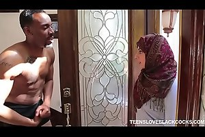 Arab queen fucked by black blaster.