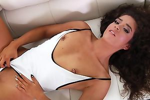 Curly-haired latina opens her mouth wide and welcomes in huge dick